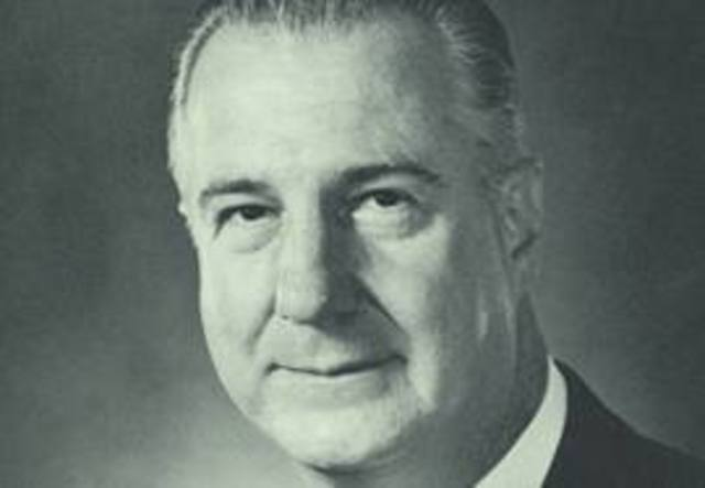 Agnew resigns vice presidency