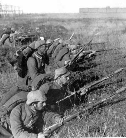 German troops mobilize against Russia