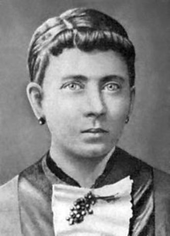 His mother, Klara Hitler, dies