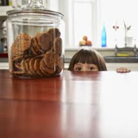 Cuando yo tenía cuatro años, yo colaba en el tarro de galletitas, yo rompía todos, y yo hacía T-ball