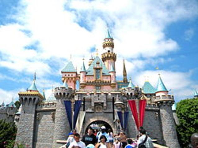 Walt Disneys First Theme Park