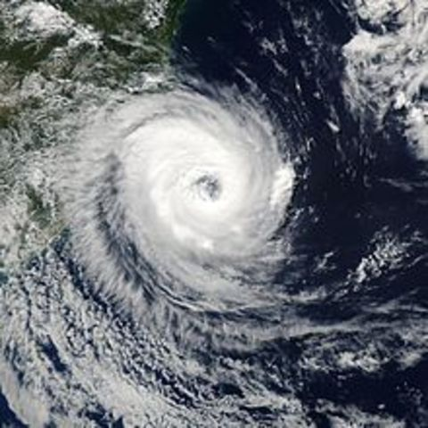 The first ever reported South Atlantic hurricane makes landfall in South Brazil in the state of Santa Catarina