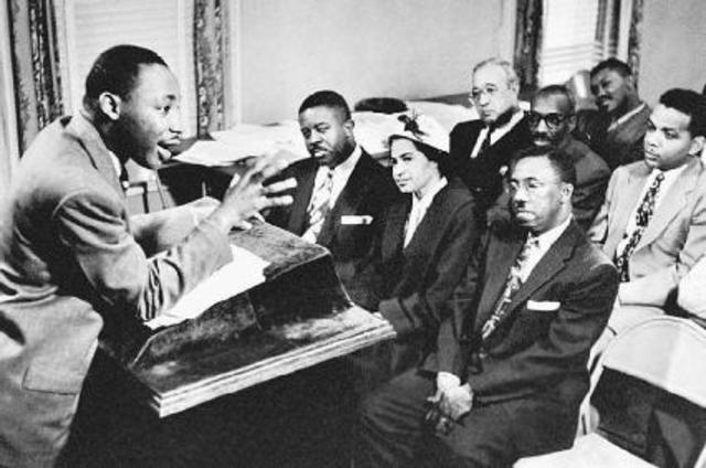 Dr. Martin Luther King Jr. organizes bus boycott