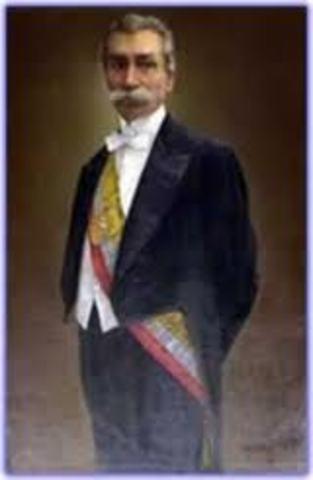 Dr. Alfredo Baquerizo M