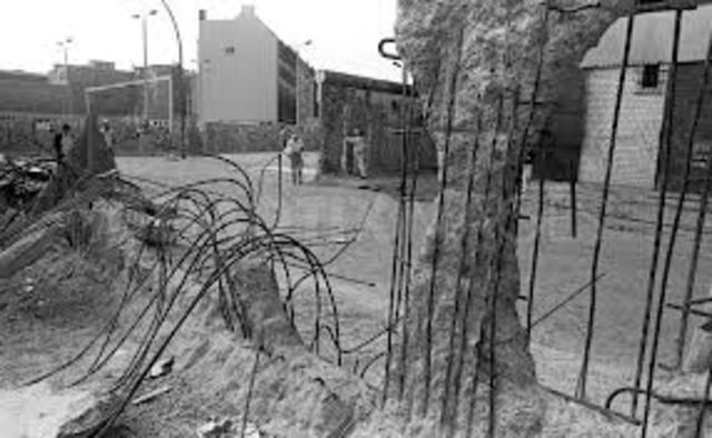 The Faling Of The Berlin Wall