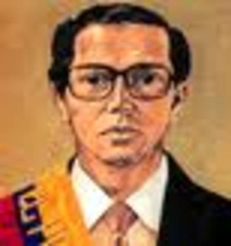 Dr. Osvaldo Hurtado Larrea