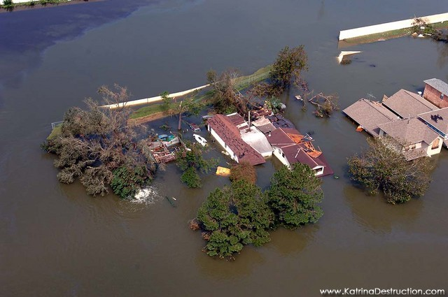 Hurricane Katrina makes landfall along the U.S. Gulf Coast.
