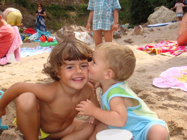 El nostre primer petó