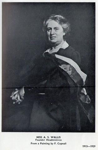 Miss Wallis Head Mistress 1913-1929