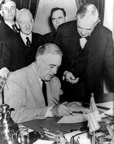 Dec 9 1941 Germany and Italy declare war on the US