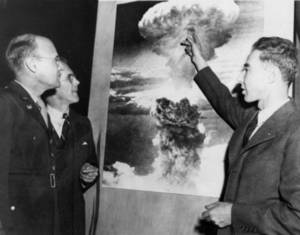 Manhattan Project and J. Robert Oppenheimer