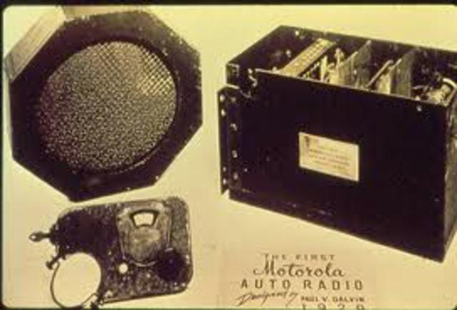 Paul Galvin invents car radio