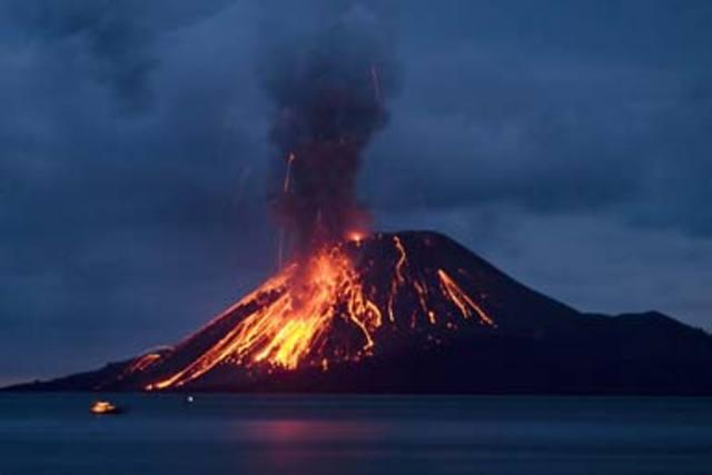 May 1919. Mt Kelud East Java erupts.
