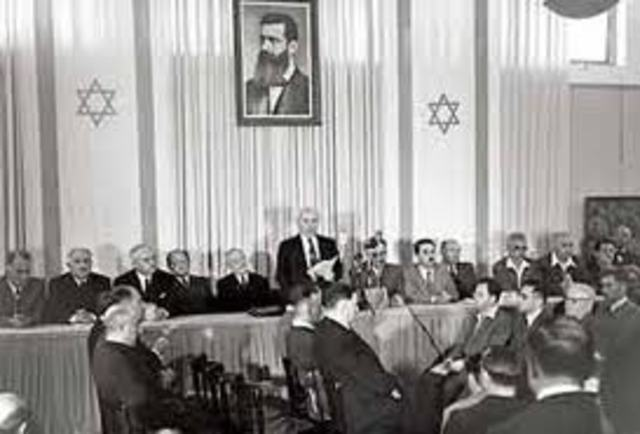 David announces the  establishment of the State of Israel.