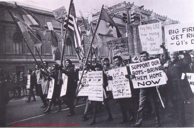 SDS First Antiwar Movement