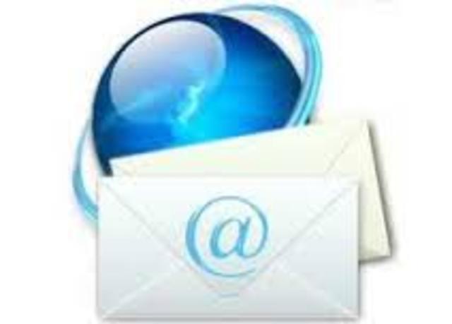 Nacen grupos de discusión USENET y el e-mail (correo electrónico)