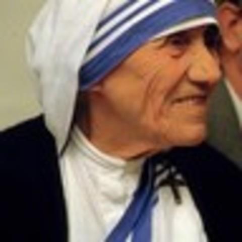 Mother Teresa Awarded nobel peace prize