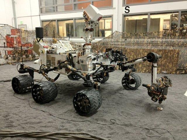Curiosity (Rover)