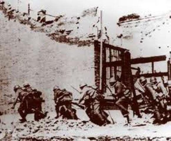 Japanese invade British Borneo.