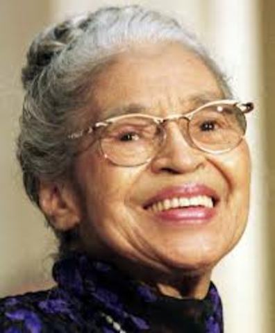 Rosa park refuses to give up bus seat