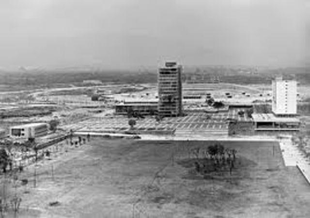 Se inaugura Ciudad Universitaria.