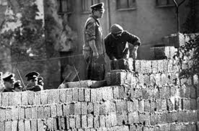 Erection of the Berlin Wall
