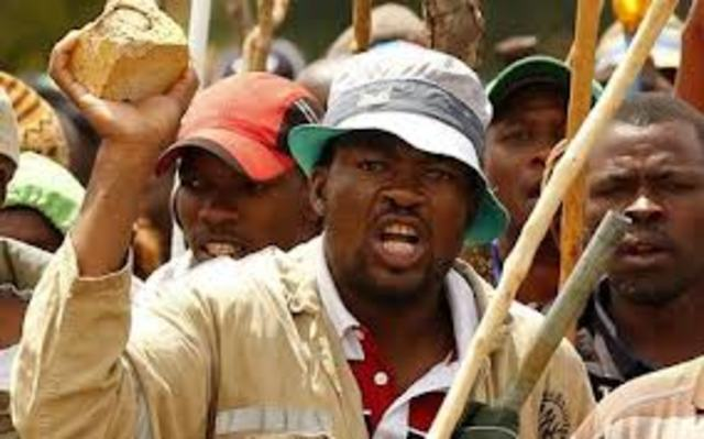 100,000 gold miners strike over pay bringing the industry to a standstill