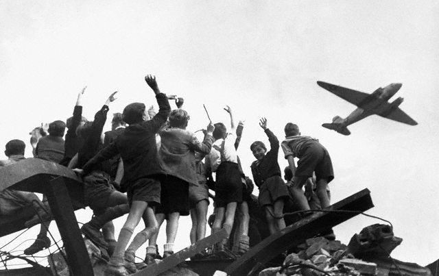 Berlin Airlift Ends