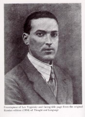 Vigitsky-  21st May, 1933 cae gravemente enfermo y logra terminar algunas de sus obras.