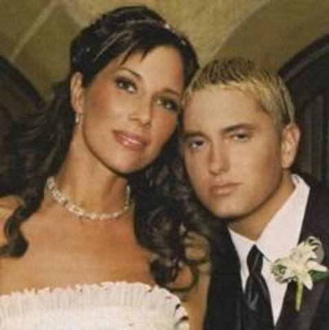 Eminem marries his long time girlfriend Kim Sluck she also is the mother of Eminems daughter Hailie