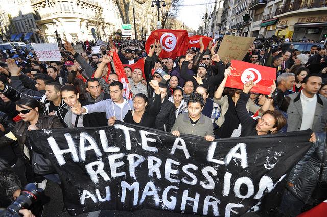 Ben Alis regime faller