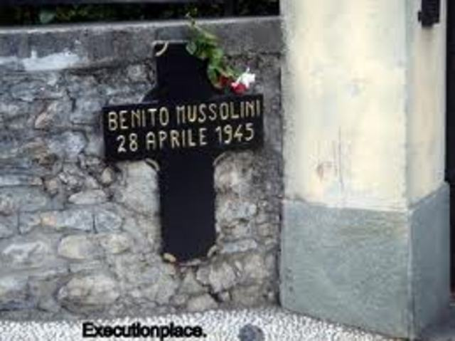 Mussolini attempted to escape north