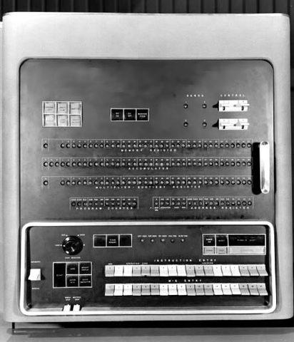 IBM 701 Para introducir los datos