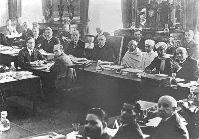Gandhi Participates in the Round Table Confrence