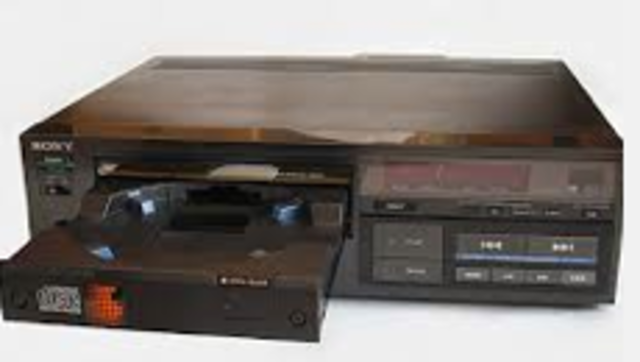 Electronic CD Player