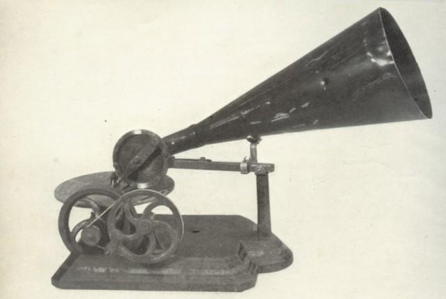 Berliner develops the Gramophone