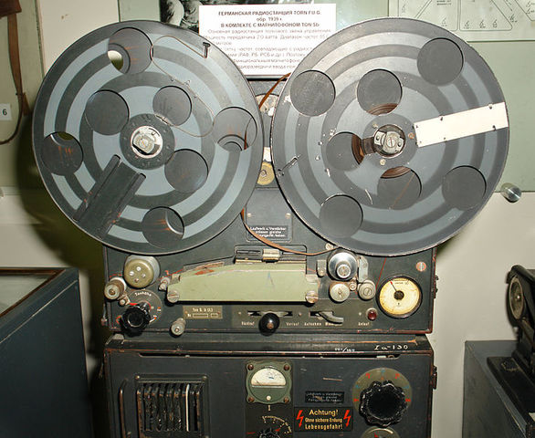 Pfleumer & AEG produce first viable tape recorder