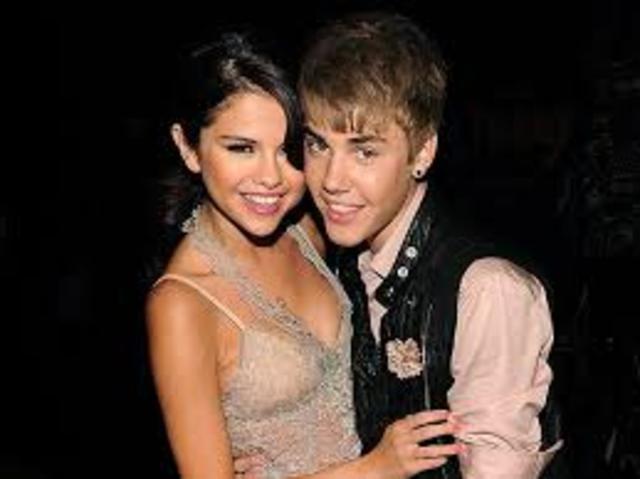 Justin and selena meet