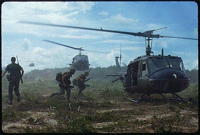 Tim O' brian arrives in vietnam