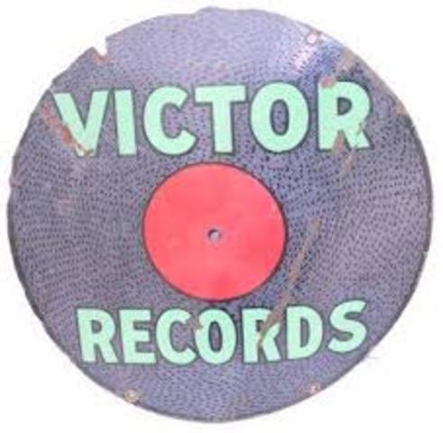 Victor Records signed Jimmie Rodgers & The Carter Family