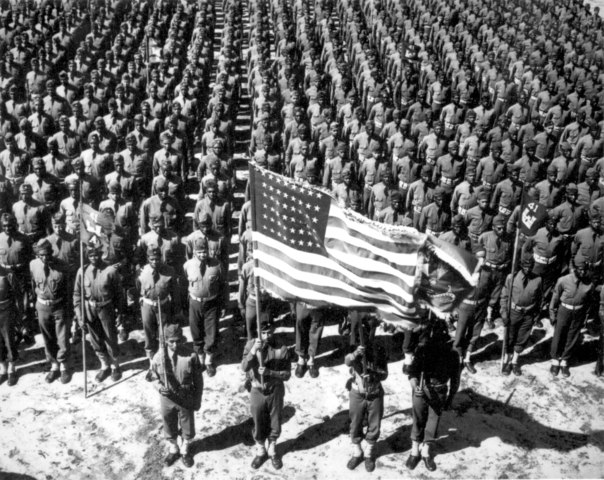 The first wave of the American Expeditionary Force lands in France.