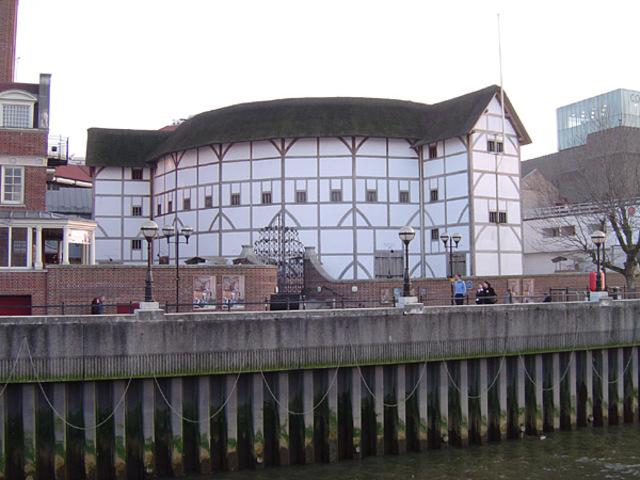 """Construcción del teatro """"The Globe"""""""