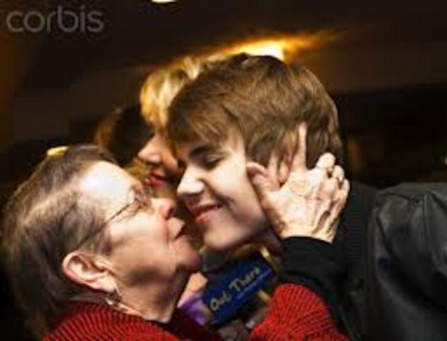 Justin Bieber's great grandma died