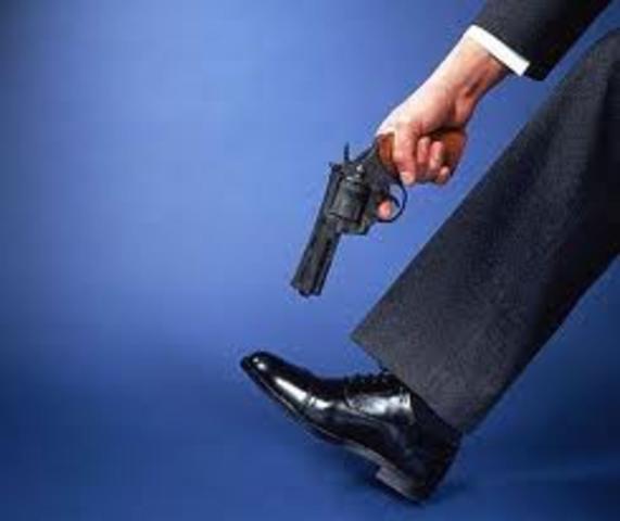 Rat Kiley shoots himself in the foot