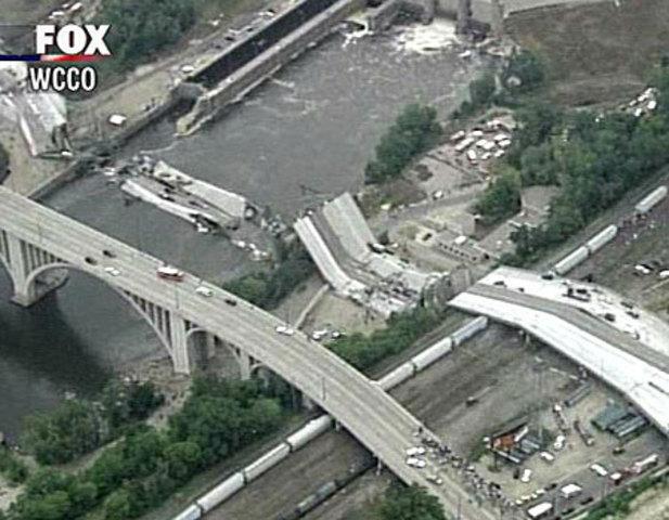 Minneapolis Bridge Collapes