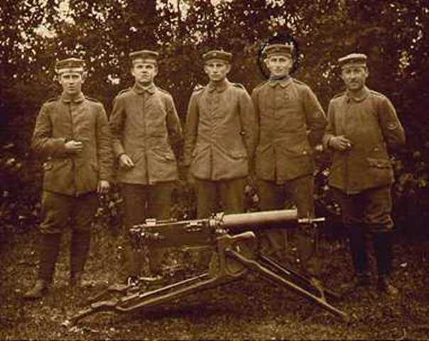 Harim Maxim invents the machine gun.