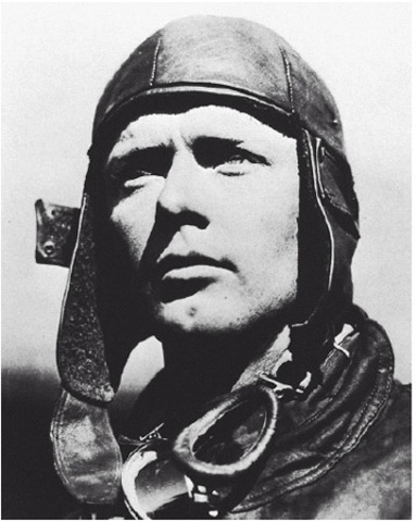Lindbergh flies Atlantic