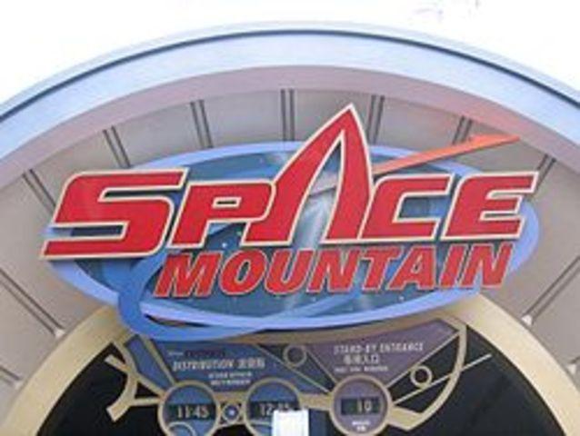 Space Mountain (Disney Land)