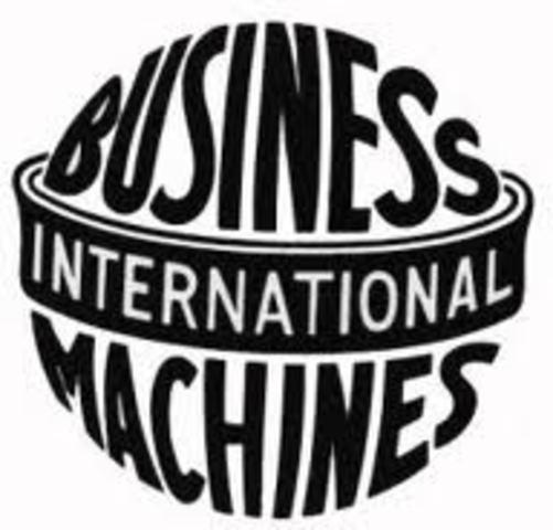T. J. Watson renombra el empresa CTR, por International Business Machines (IBM)