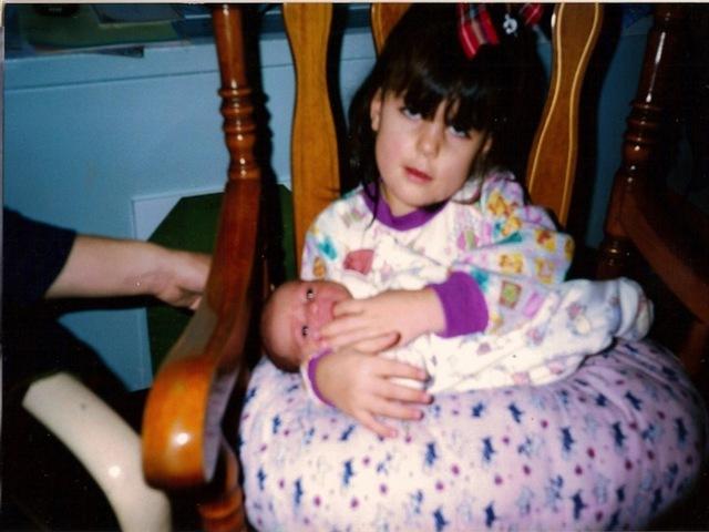 J'ai été déposés sur ma tête par ma soeur